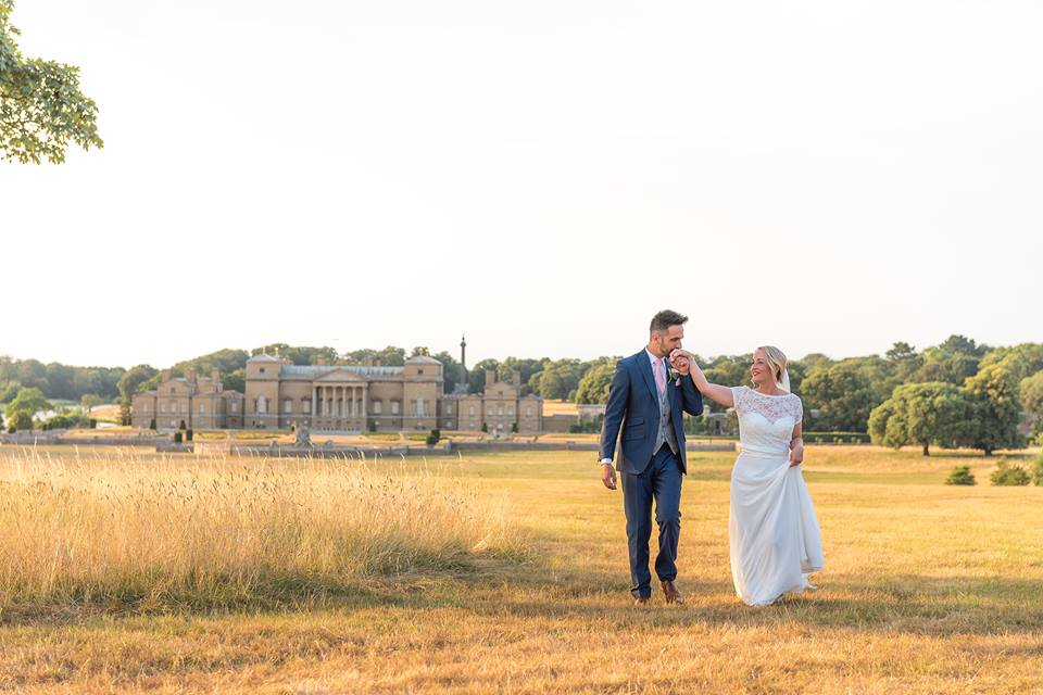 *  Entries now closed – WIN YOUR WEDDING PHOTOGRAPHY 2019
